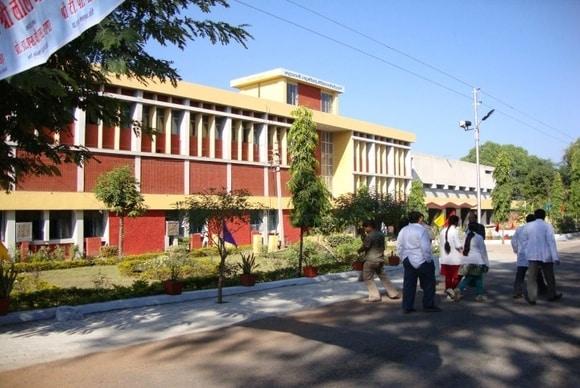 Maharani Laxmi Bai Medical College